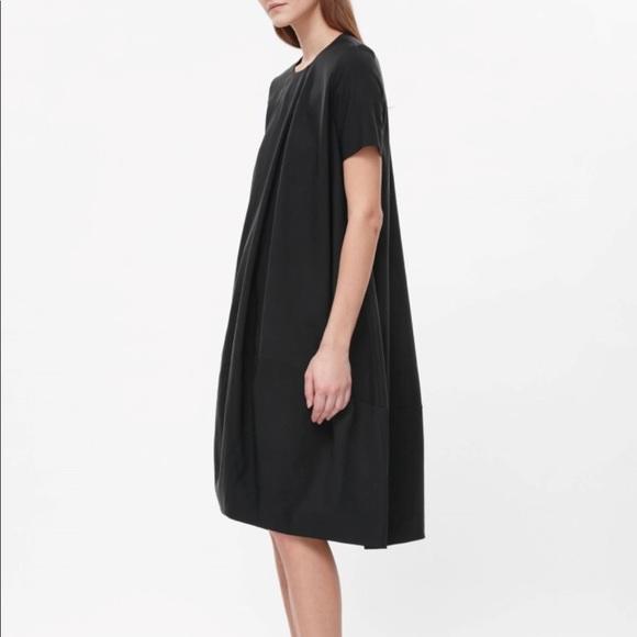 26ed6223bbcdb COS Dresses & Skirts - Poplin Trapeze Dress from COS